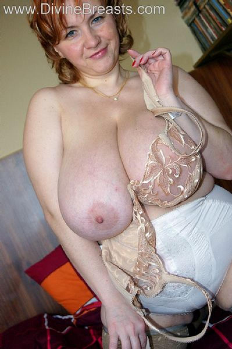 Curvy girls in stockings