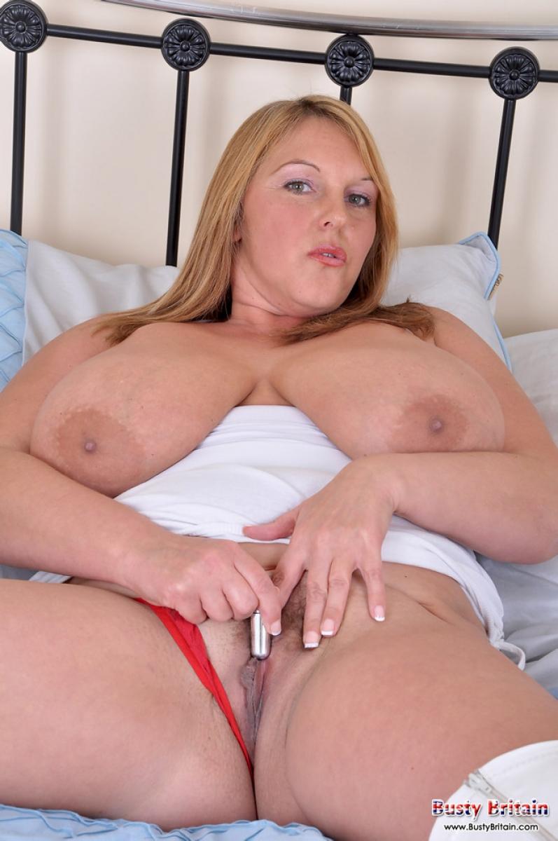 Milf big natural tits